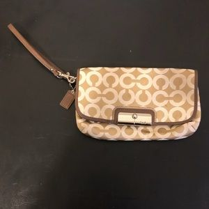 Authentic Coach Kristin Op Art Wristlet. Like new.